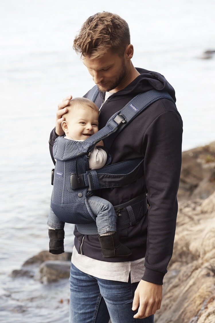 BabyBjorn-Baby-Carrier-One-Air-Navy-Mesh-02-min-3